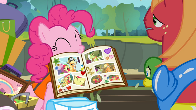 File:Pinkie with her scrapbook S4E09.png