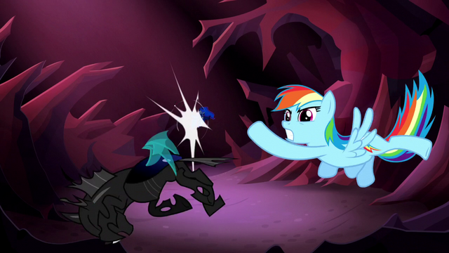 File:Rainbow Dash punches a changeling S5E13.png