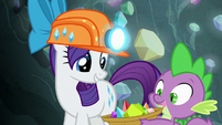 Rarity puts chartreuse in Spike's basket S7E4