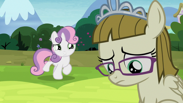File:Sweetie Belle approaching Zipporwhill S7E6.png