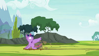Twilight landing on the ground S4E26