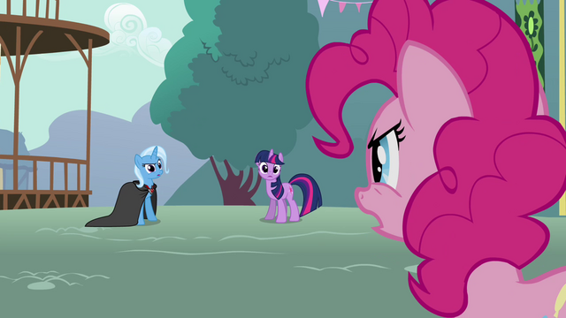 File:Pinkie Pie getting mad at Trixie S3E5.png