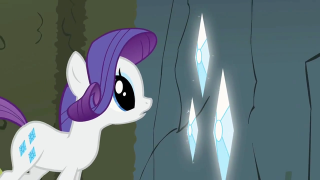 File:Rarity admiring large gems S2E1.png
