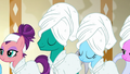 Waiting ponies nice and steamy S6E10.png