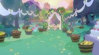 Wedding ceremony at Sweet Apple Acres S7E13