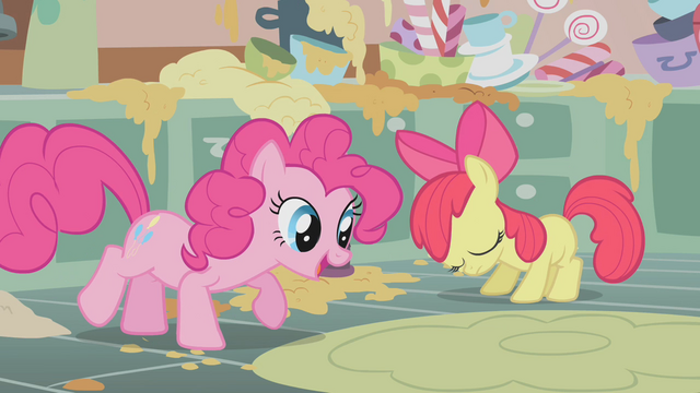 File:Apple Bloom disappointed by her baking skills S1E12.png