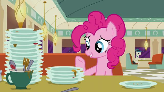 "File:Pinkie Pie ""Rarity designs fashion"" S6E9.png"