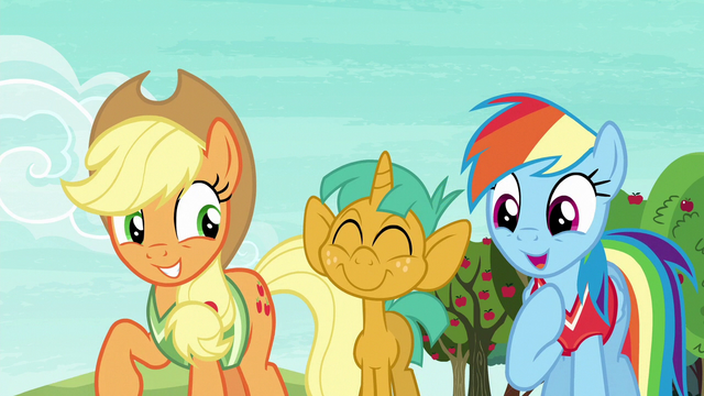 File:Rainbow Dash ageeing with Applejack S6E18.png