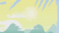 The sun is shining S1E11