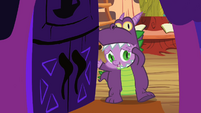 Spike answering the door S2E4
