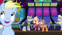 Ponies listening to Gladmane's announcement S6E20