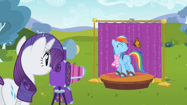 File:Rainbow Dash on a photo shoot S2E07.png