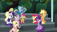Rainbow Dash picks up Scootaloo S6E7