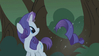Rarity levitating her severed tail S1E02