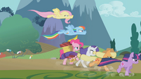 Pinkie's friends gallop ahead of her S1E10