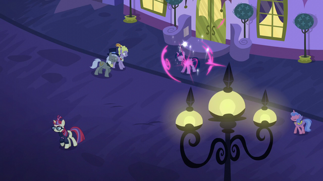 File:Twilight teleports outside the restaurant S5E12.png