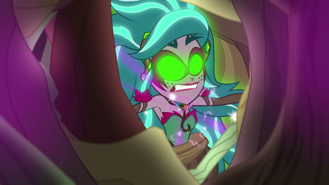 File:Vines are ripped away from Gloriosa's body EG4.png