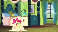 Pinkie Pie crowing in the background S5E4