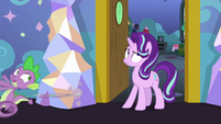 Spike runs away from Starlight's room S7E1