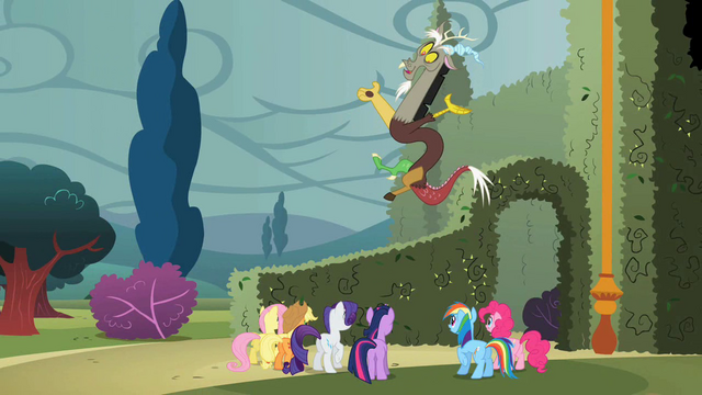 File:Discord 'Good luck, everypony' S2E01.png