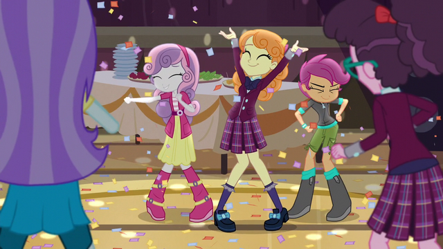 File:Sweetie Belle and Scootaloo dancing EG3.png