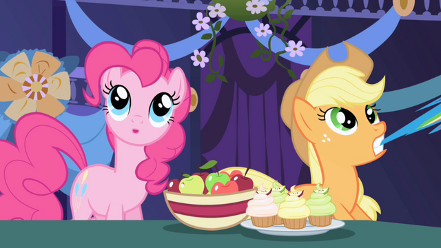 File:Pinkie Pie guessing S01E01.png