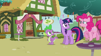 Pinkie Pie shaking all her hooves S3E3
