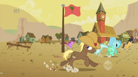 Ponies run from the buffalo S1E21