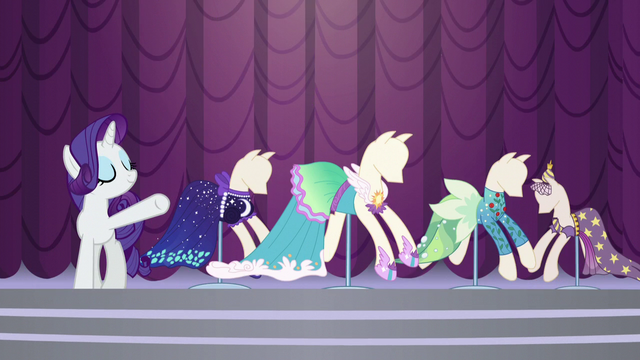 File:Rarity unveils her newest collection S5E14.png