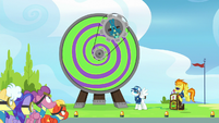 Sky Stinger starts spinning on the Dizzitron S6E24