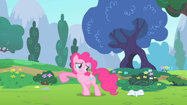 File:Pinkie Pie nopony saw S2E13.png