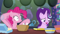Pinkie Pie rapidly mixing cake ingredients S6E21