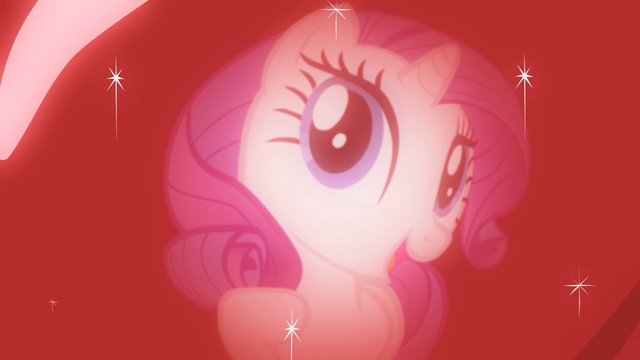 File:Rarity looks at her own reflection on the apple S4E07.png