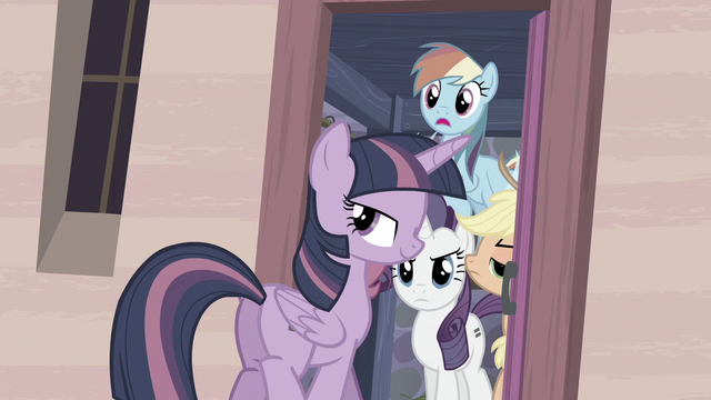 File:Twilight smiles S5E02.png