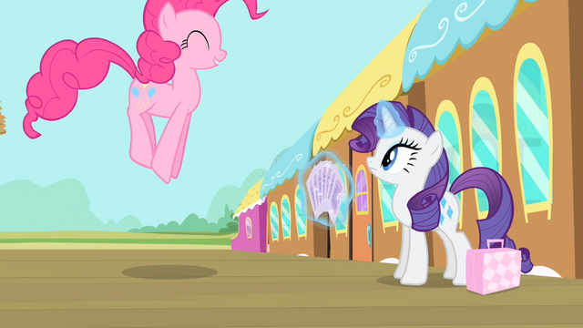File:Pinkie Pie hopping S4E08.png