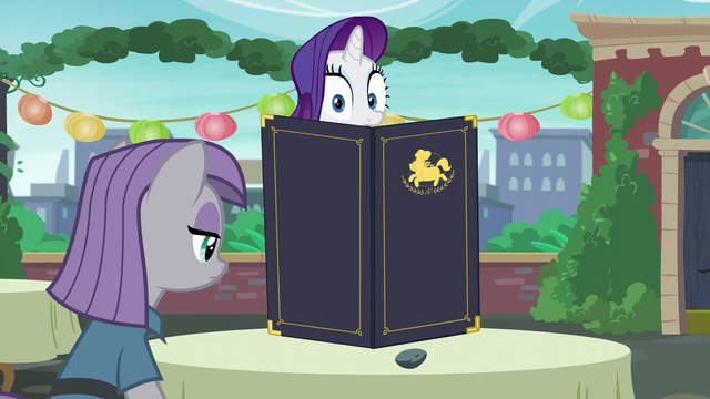 File:Rarity looking at Maud S6E3.png
