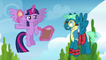 Twilight points Sky Stinger at obstacle course S6E24.png