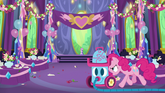 File:Pinkie pushes vacuum into dining hall S7E1.png