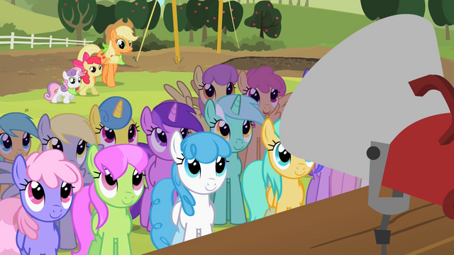 File:Ponies listening to Granny Smith S02E05.png