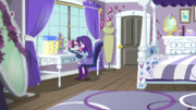 Rarity sewing in her bedroom EGS1
