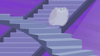 Sweetie falling on the stairs S4E19