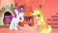 Applejack's mane back to normal S1E08