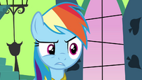 Rainbow Dash creeped out S03E10
