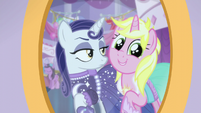 Bright Pony jumps into the frame S5E14