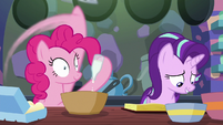 Pinkie Pie adding vanilla to the batter S6E21