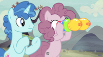 Pinkie borrows Party Favor's binoculars S5E2