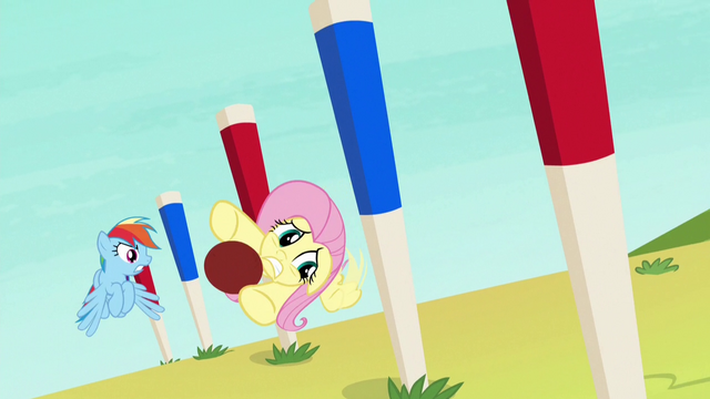 File:Fluttershy swerving through obstacle pegs S6E18.png