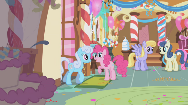 File:Pinkie Pie welcoming ponies to the party S1E05.png