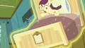 Boysenberry's bed rises into the air S7E3.png