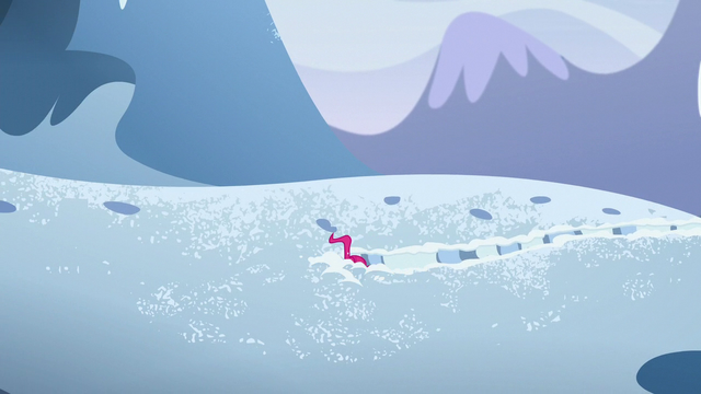 File:Pinkie pushing through the snow S5E11.png